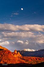 Moab,Fisher Towers,Manti La Sal,clouds,Moon