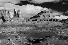Monument Valley,Eagle Mesa,Setting Hen,Sleeping Bear