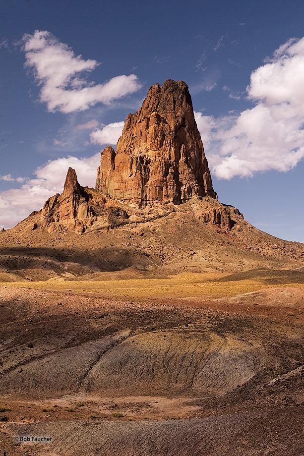 Agathla Peak,El Capitan,volcanic plug,diatreme,minette, photo