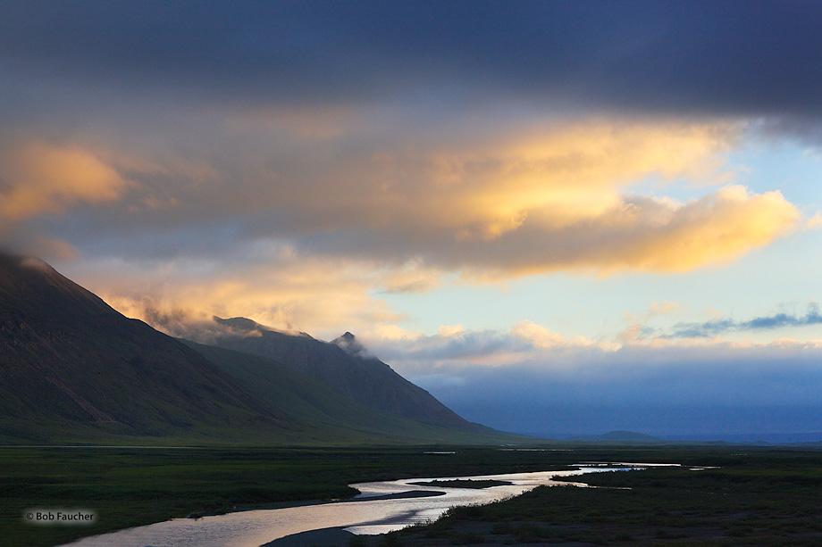 North Slope, Atigun River, Dalton Hiway, Brooks Range, Alaska, photo