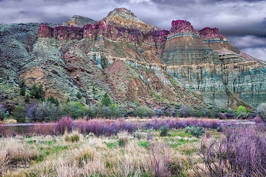John Day Fossil Beds NM,Sheep Rock unit,Cathedral Rock, photo