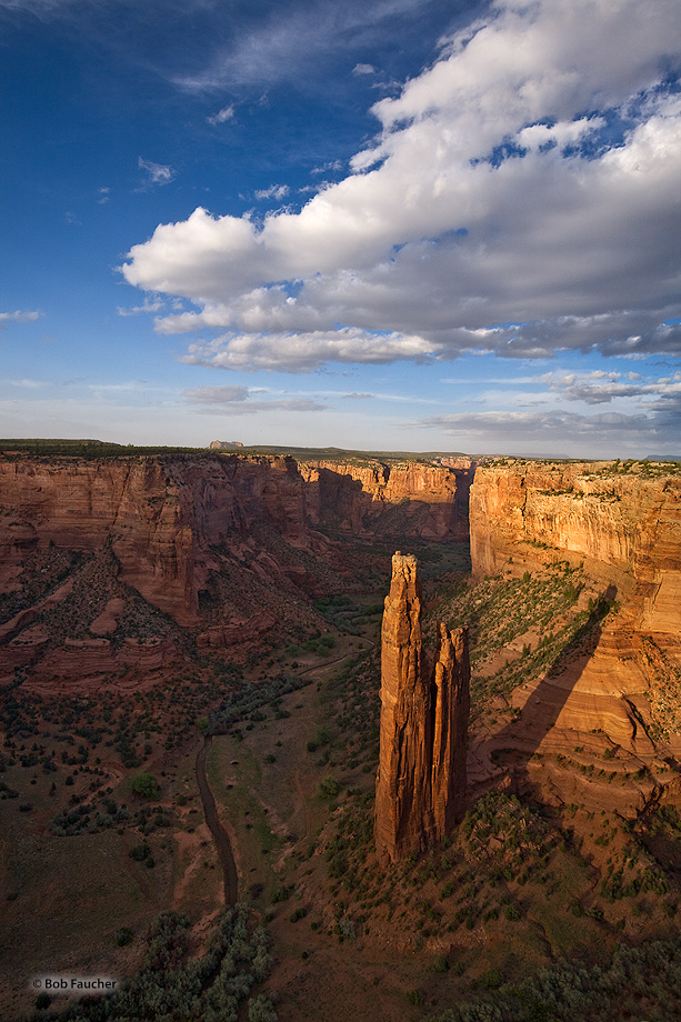 Canyon de Chelly,Spider Rock overlook,evening,clouds, photo