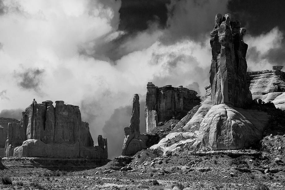 Arches NP,Ham Rock,spires,pinnacles,buttes, photo
