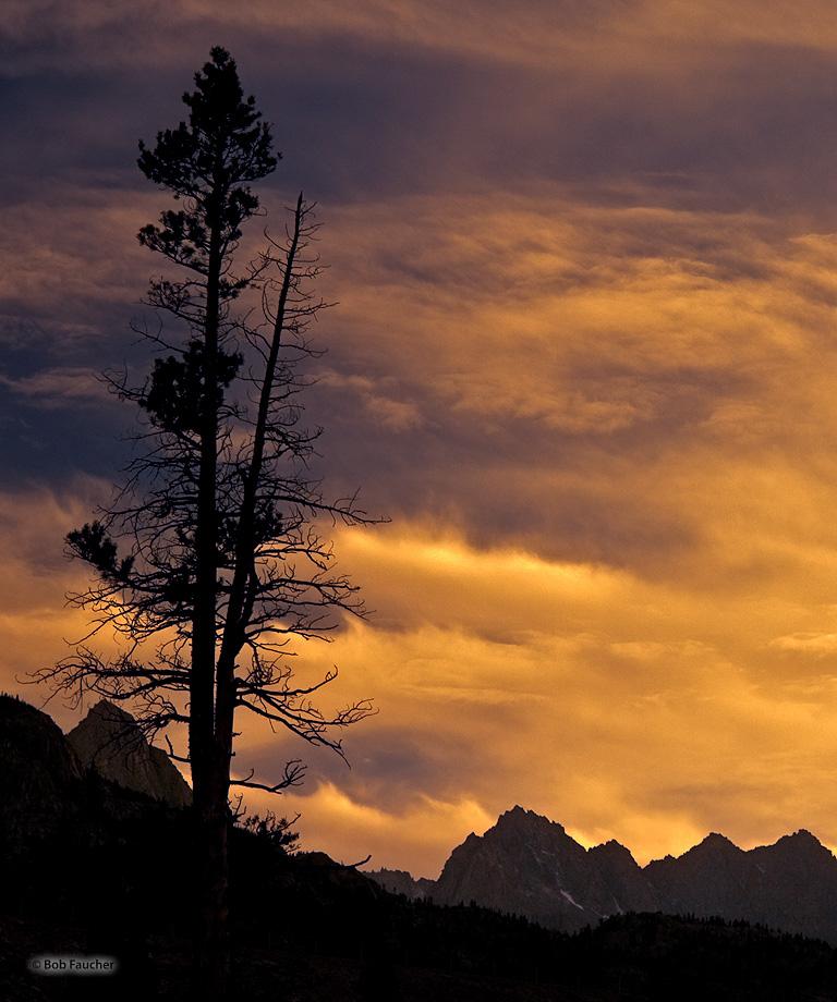 Lake Sabrina,fall color,evening, photo