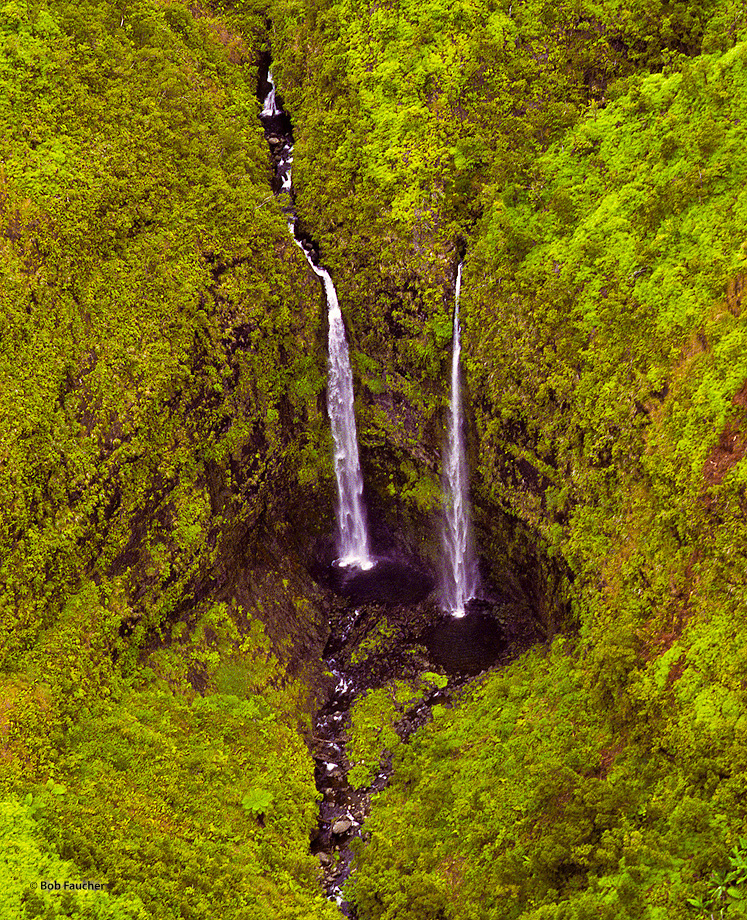 Manawaiopuna Falls, used as the entryway into the mysterious Jurassic Park in the film of the same name