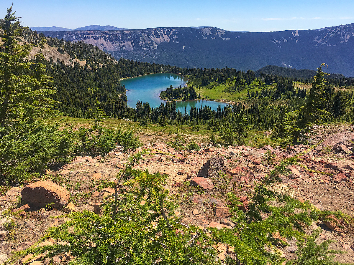 It's a 7-mile hike to Shoe Lake, but not overly difficult. Follow the well-graded Pacific Crest Trail (PCT) through cool forest...