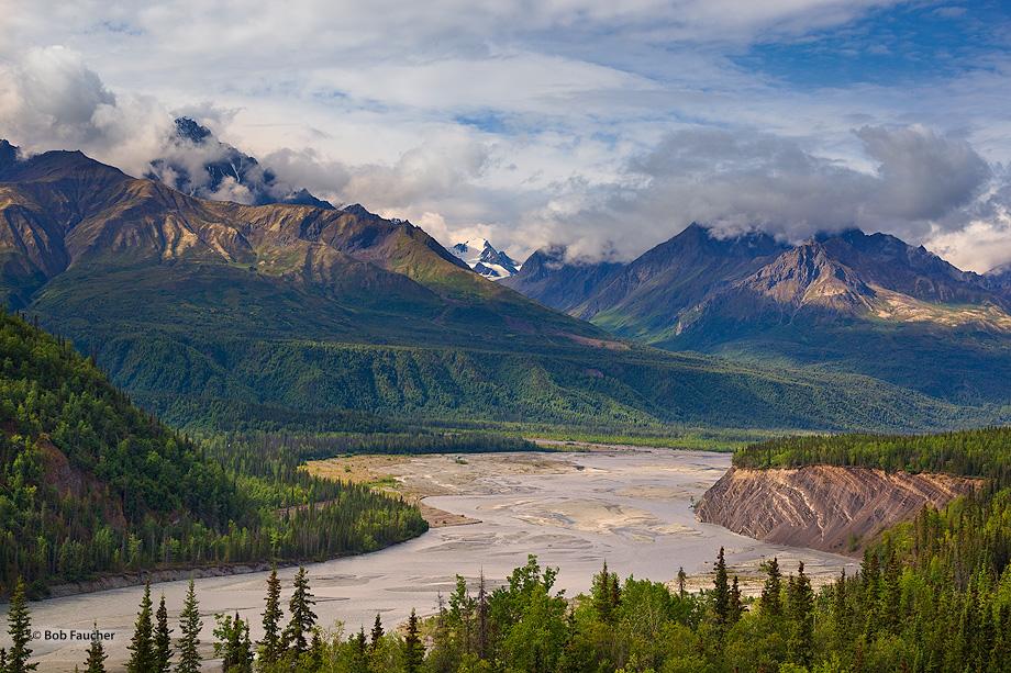 Matanuska River,Mt. Sargeant Robinson,Mt. Goode,Glenn Hiway,Alaska, photo