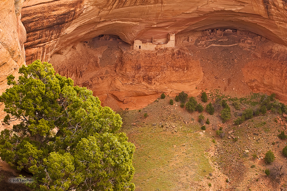 Mummy Cave, located deep within Canyon del Muerto at Canyon de Chelly National Park, contains a number of ancient structures...