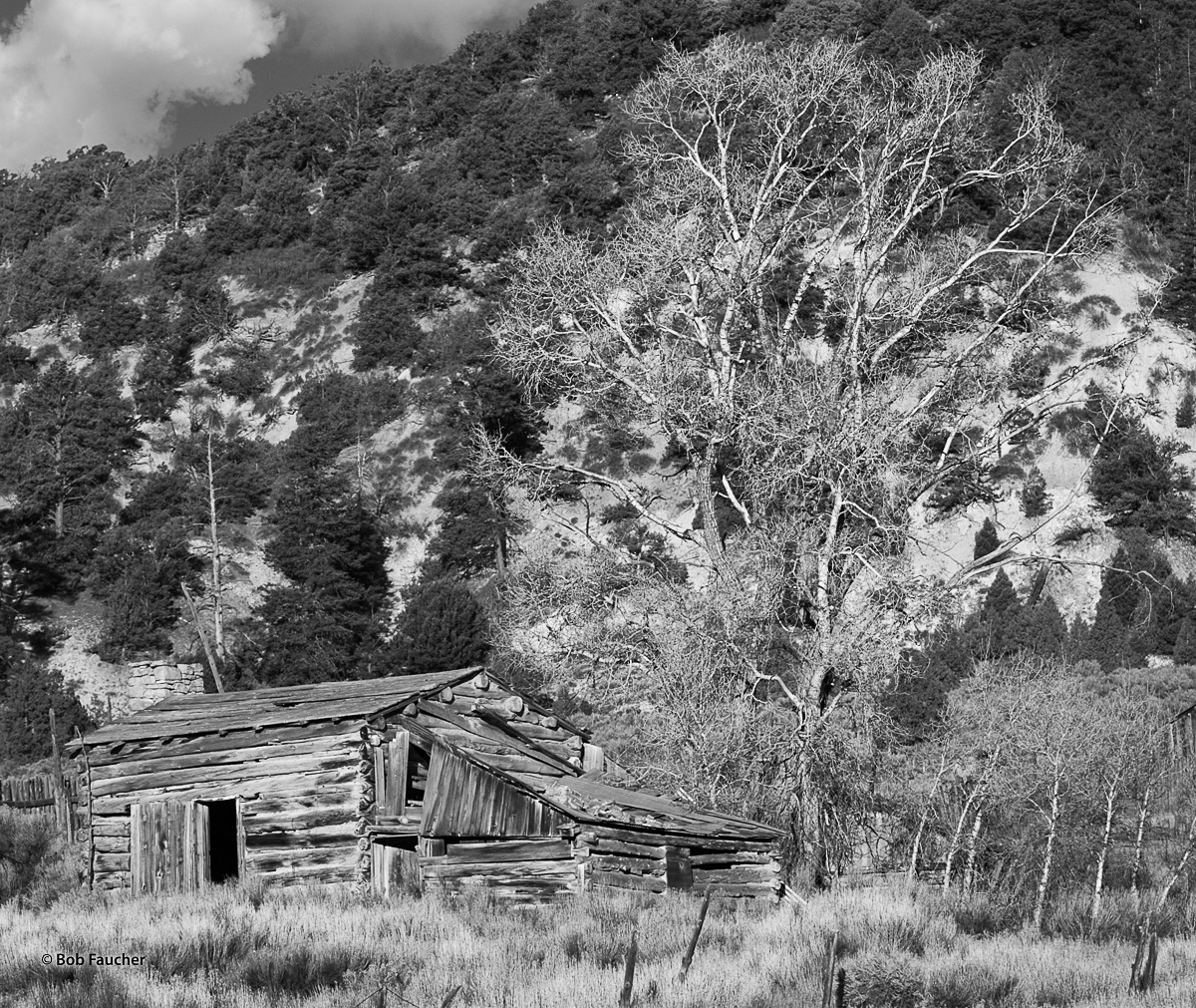 An abandoned building in Long Valley, Utah, near the turnoff to Bryce Canyon