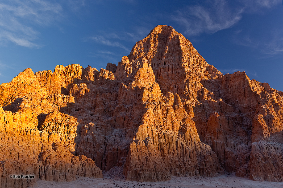 Cathedral Gorge, erosion patterns, badlands, photo