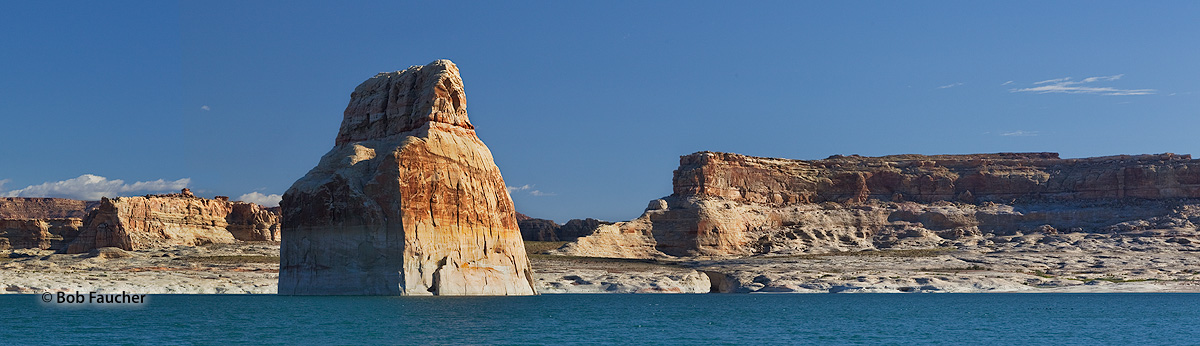 Lone Rock NM, Wahweap Bay, Lake Powell, photo