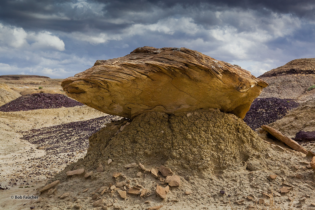 Bisti Badlands, caprock, photo