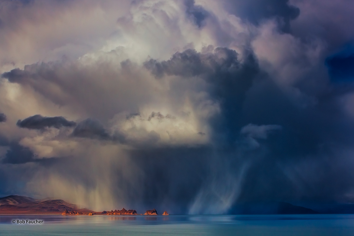The second portion of the storm I had followed this day was now perched directly over Echanted Beach, immediately behind the...