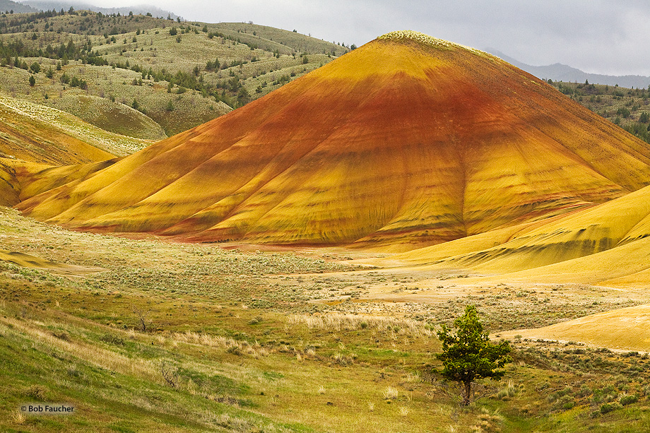 John Day Fossil Beds NM,Painted Hills unit, photo
