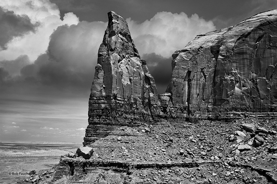 Monument Valley,Spearhead Mesa,clouds, photo