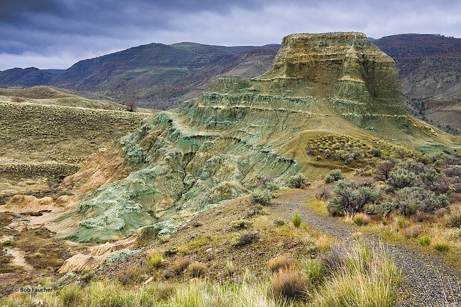 John Day Fossil Beds NM,Sheep Rock unit,Foree area, photo