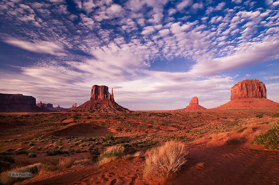Monument Valley,Mitten Butes,Merrick Butte,clouds,evening, photo
