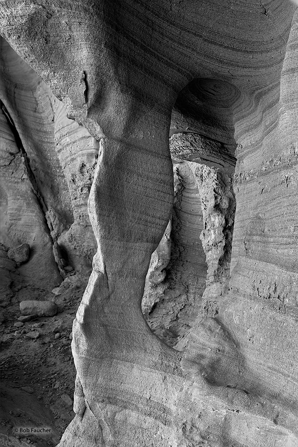 Valley of Fire SP,alcove,striae, photo