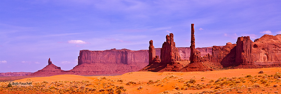 Monument Valley,Totem Pole,Yei Bi Chei,Meridian Butte,Rooster Rock, photo