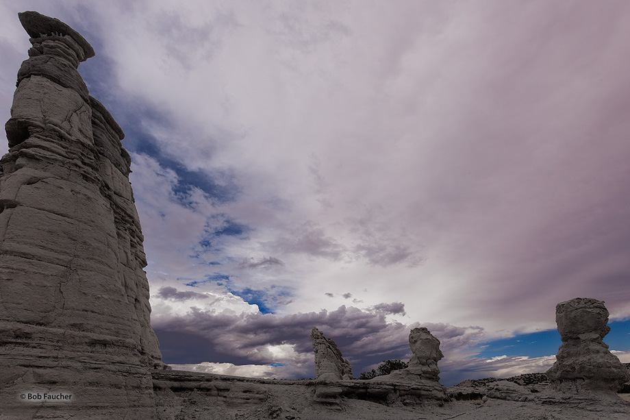 Plaza Blanca,Abiquiu,tuff hoodoos, photo