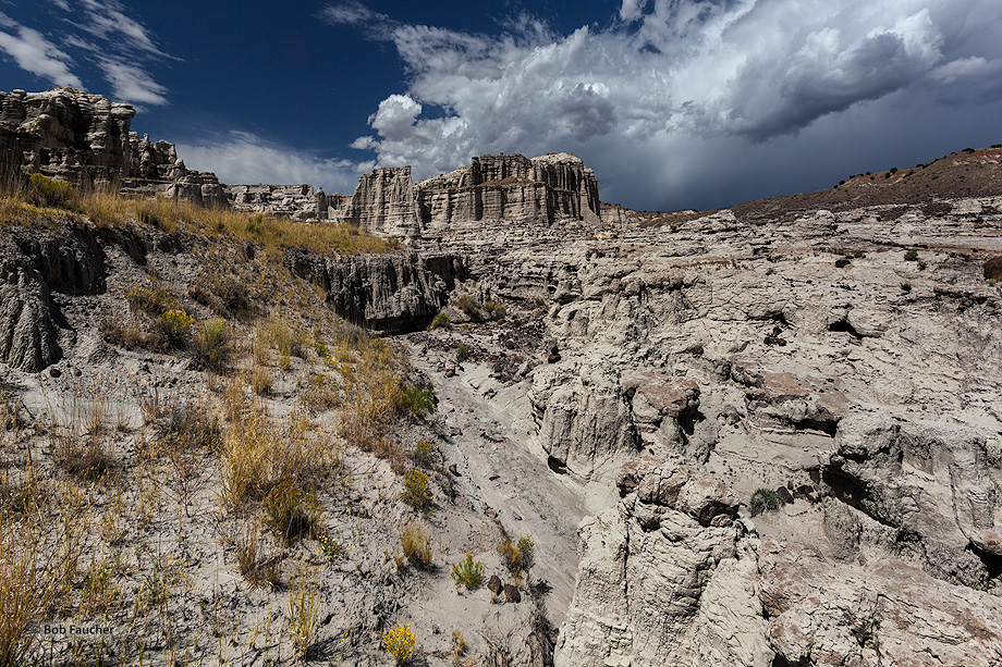 Plaza Blanca,Abiquiu,clouds,river valley, photo